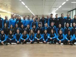 La nazionale giovanile al completo poco prima della partenza per Tenerife