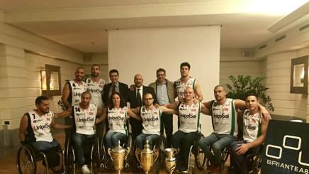 La UnipolSai Briantea84 Cantù 2017-2018, la squadra presidente e due sponsor