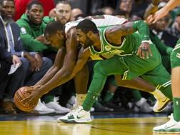 Irving in lotta con Middleton. Reuters