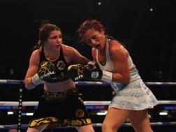 Katie Taylor, 31, calciatrice con l'Irlanda e pugilessa sul ring nella sfida iridata contro la Sanchez. Getty