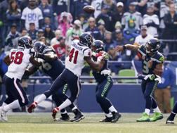 Russell Wilson lancia la palla: sua la giocata decisiva. Reuters