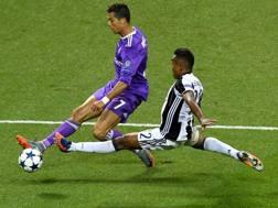 CCristiano Ronaldo con Alex Sandro durante l'ultima finale di Champions League. AFP