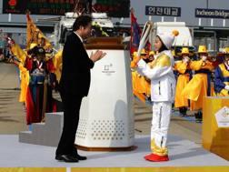 L'arrivo della torcia olimpica in Corea del Sud. Getty