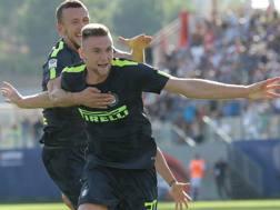Milan Skriniar (22 anni), in gol contro il Crotone. GETTY IMAGES