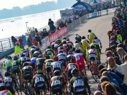 Lo spettacolo del ciclocross all'Idroscalo di Milano. Bettini