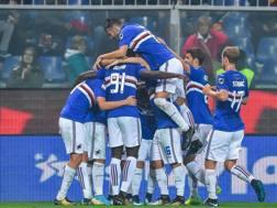 La festa della Samp dopo il gol di Gaston Ramirez. Ansa