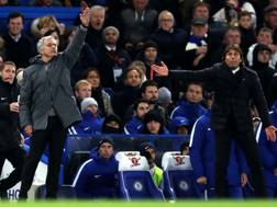 Mourinho e Conte in panchina. LaPresse