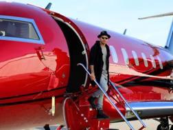 Lewis Hamilton con il suo aereo: un Bombardier CL-600