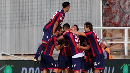 Sei punti nelle ultime due partite di campionato per il Crotone, ora a quota 12. Ansa