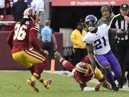 Jerick McKinnon sfugge al controllo Redskins