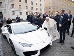 La Lamborghini Huracan per papa Francesco, che andrà all'asta per beneficenza