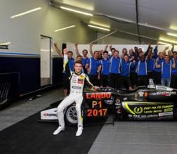 Lando Norris, 18 anni ,festeggia il titolo di Formula 3 2017 - Twitter