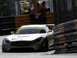 La Mercedes di Edoardo Mortara che ha colto il miglior tempo in vista della gara di qualificazione
