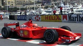 Michael Schumacher in azione nel 2001 a Montecarlo con la Ferrari. Reuters