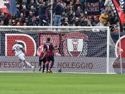 Il gol con cui Rigoni ha sbloccato la gara all'11' del primo tempo. LaPresse