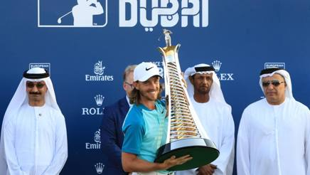 Tommy Fleetwood con il trofeo della Race to Dubai. Getty
