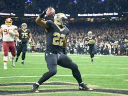 Mark Ingram segna