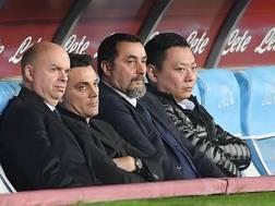 Marco Fassone, a.d. del Milan, il tecnico Vincenzo Montella, il d.s. Massimiliano Mirabelli e David Han Li, Executive Director del club. Getty