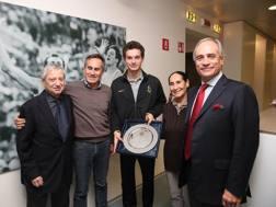 Franco Angelotti, Alessandro Cannavò, Filippo Tortu, Franca Cannavò e il direttore Andrea Monti COLOMBO