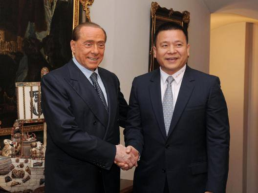 """Berlusconi si fida dei cinesi """"Sempre onorato impegni"""""""