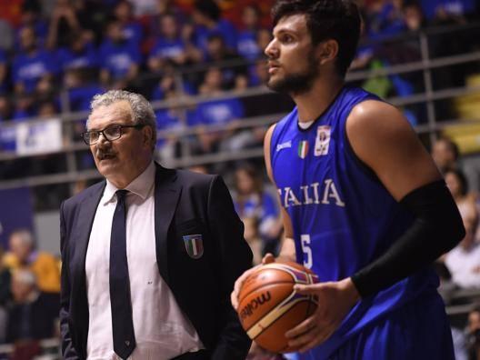 Il c.t. azzurro Romeo Sacchetti e Alessandro Gentile CIAM