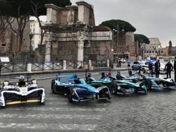 Le monoposto di Formula E in parata ai Fori Imperiali a Roma