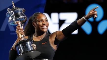 Serena Williams dopo l'ultimo trionfon in Australia AP
