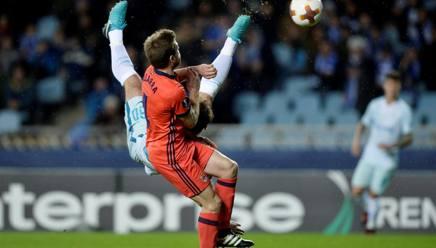Il gran gol in rovesciata di Ivanovic. Reuters
