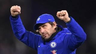L'esultanza di Antonio Conte dopo la vittoria in casa dell'Huddersfield. Getty Images