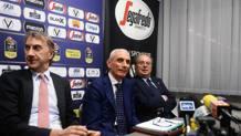 Luca Baraldi (al centro), 57 anni, manager e membro del CdA di Virtus Pallacanestro