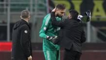 Al termine della gara vinta 3-0 contro il Verona in Coppa Italia, il tecnico rossonero ha abbracciato il portiere, che intanto ha anche accennato un saluto ai suoi tifosi. Prima della gara, la Curva Sud aveva pesantemente attaccato Gigio: