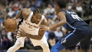 Kawhi Leonard in campo contro Dallas. Reuters