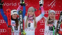 Lindsey Vonn con Sofia Goggia e Ragnhild Mowinckel: è il podio di Val d'Isère. Reuters