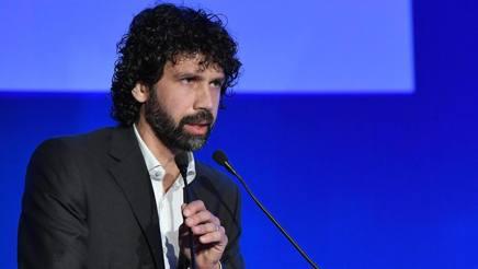 Il numero dell'AIC Damiano Tommasi.