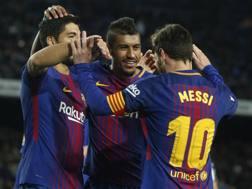 Suarez, Paulinho e Messi: tutti in gol. Ap