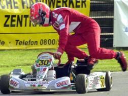 Un'immagine di Michael Schumacher alle prese con un go kart. Epa