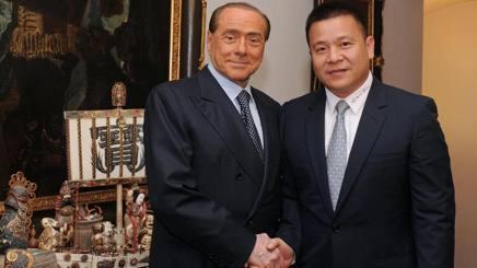 Silvio Berlusconi e Yonghong Li.