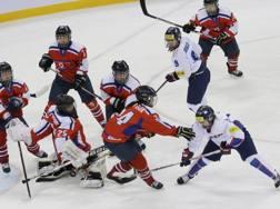 Un'immagine della partita tra le due Coree dell'aprile 2017 AP