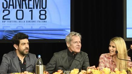 Pierfrancesco Favino, Claudio Baglioni e Michelle Hunziker alla conferenza stampa di presentazione del Festival di Sanremo.