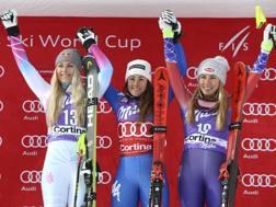 Il podio di Cortina: Sofia Goggia fra Vonn e Shiffrin. Ap