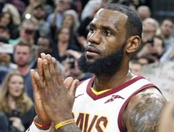 LeBron James, 33 anni, ha superato i 30 mila punti in carriera.