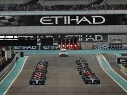 Il via del GP di Abu Dhabi 2017. LaPresse