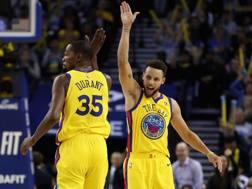 Kevin Durant e Steph Curry, seconda stagione da compagni di squadra. Afp
