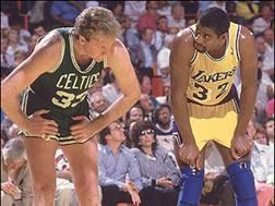 Larry Bird e Magic Johnson, simboli della Nba degli Anni '80. Archivio
