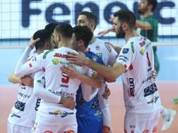 L'esultanza di Civitanova per la vittoria in Turchia CEV.LU