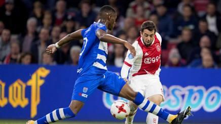 Amin Younes, 24 anni, con la maglia dell'Ajax. Ansa