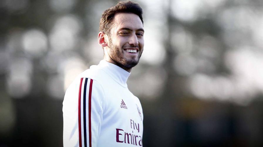 Milan, spunta un leader Gattuso investe Calhanoglu