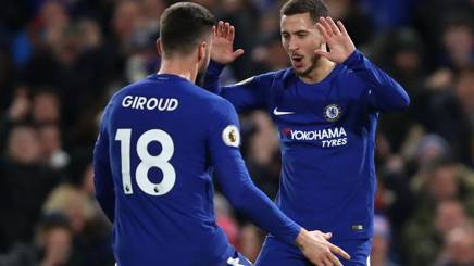 Olivier Giroud (31) esulta con Eden Hazard (27). GETTY IMAGES
