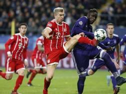 Un momento della partita tra Anderlecht e Bayern Monaco. Epa