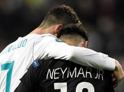 Fair play tra Ronaldo e Neymar. Afp